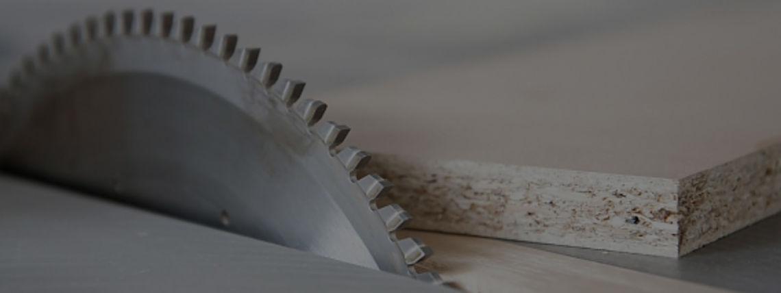 Пилы с специальным покрытием обеспечивают более качественную гладкую поверхность распила